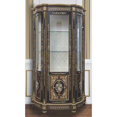 3-ajtós faragott vitrin